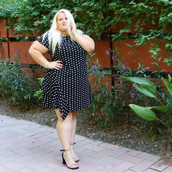 Polka dot dress with ruffle